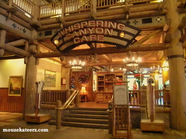 Diney's Whispering Canyon cafe, Disney Wilderness lodge restaurant, Disney wilderness lodge lobby,