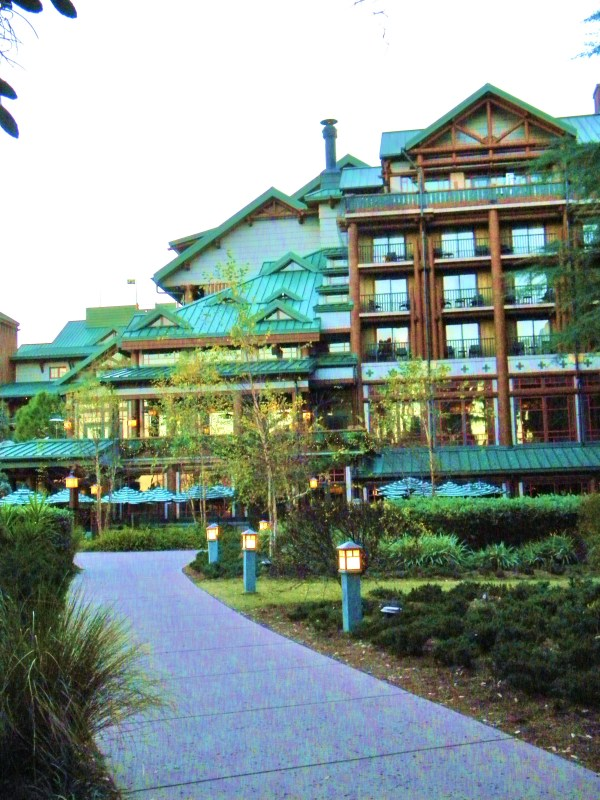 Wilderness lodge outside, wilderness lodge waterfall, wilderness lodge building, Disney's Lodge
