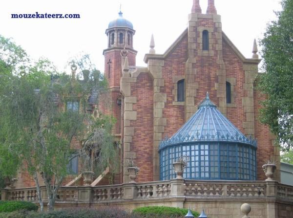 Disney College Program Perks, Cast Member benefits, Disney College Program Benefits, Disney College Program jobs,