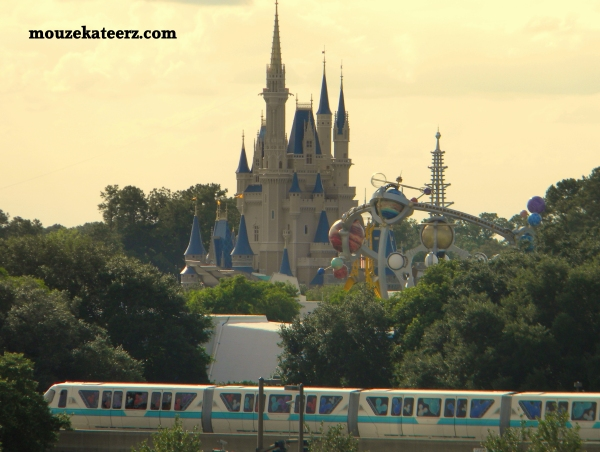 Disney Cast Members, Disney College Program recreation, Disney College Program dorms,