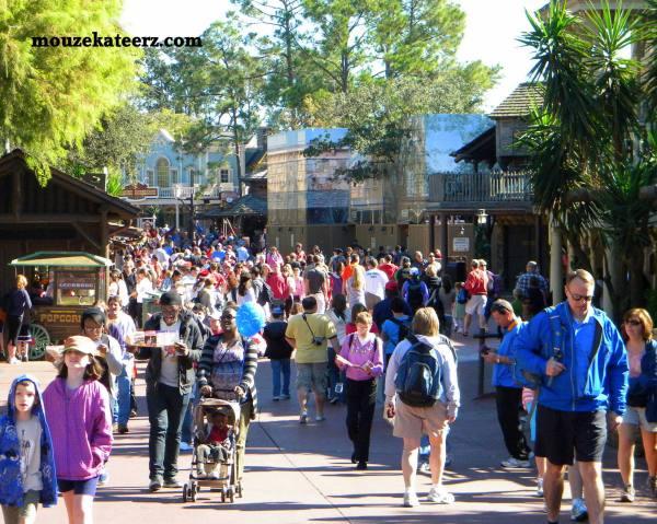 Frontierland photo, Disney Frontierland, Disney walking tips, Disney miles, miles in Disney world, Disney busy at Christmas, Christmas at Disney