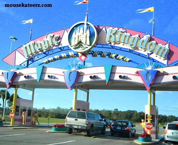 Magic Kingdom entrance photo, Magic Kingdom, Admission to Magic kingdom, cars at magic kingdom, parking at magic kingdom