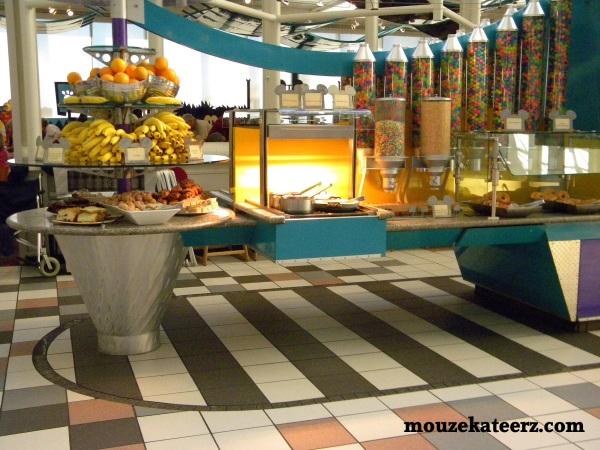 Chef Mickey's buffet photo