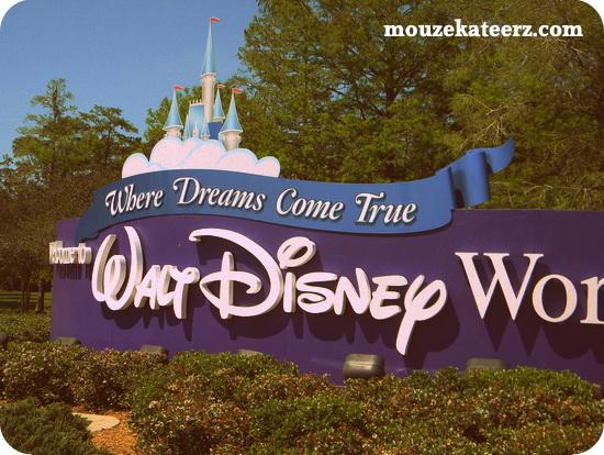 Walt Disney World sign, Disney sign