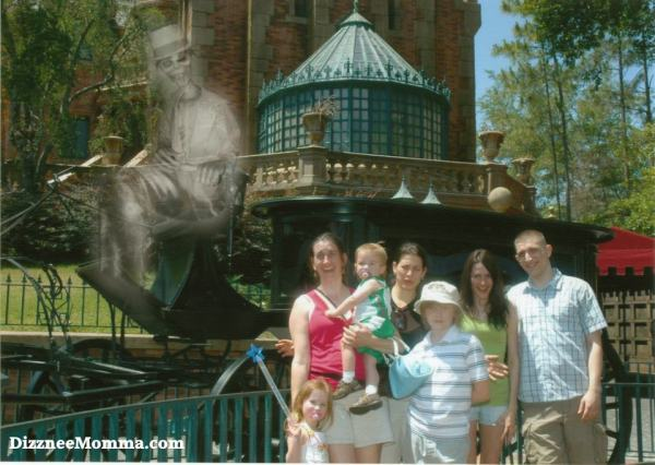 Haunted Mansion Photo Pass, Haunted Mansion Hearst ghost