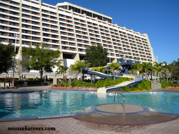 Contemporary Resort pool, DVC pool hopping, DVC pool