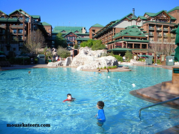 Wilderness Lodge pool,