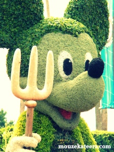 Mickey Epcot topiary, Mickey Mouse
