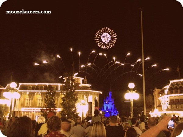 Wishes Fireworks, Main Street Disney Fireworks