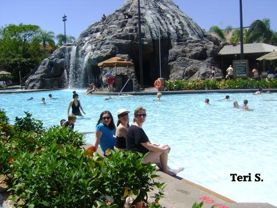 Polynesian Resort pool, Disney Polynesian Resort pool volcano