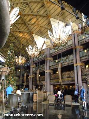 Animal Kingdom Lodge Lobby, Animal Kingdom Lodge architecture, Animal Kingdom Lodge African artifacts