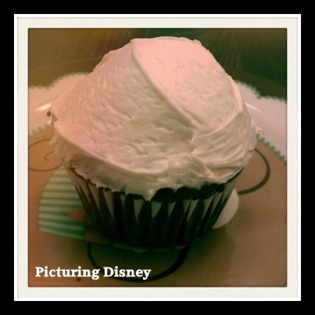 Disney Cupcakes, Disney cupcakes recipe, Disney Cupcake recipies, Starring Rolls Cafe recipe