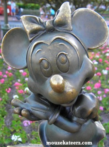 Minnie Mouse birthday, Mickey Mouse birthday, Disney birthday, Minnie Mouse photo, Minnie Mouse statue, Minnie, Mickey