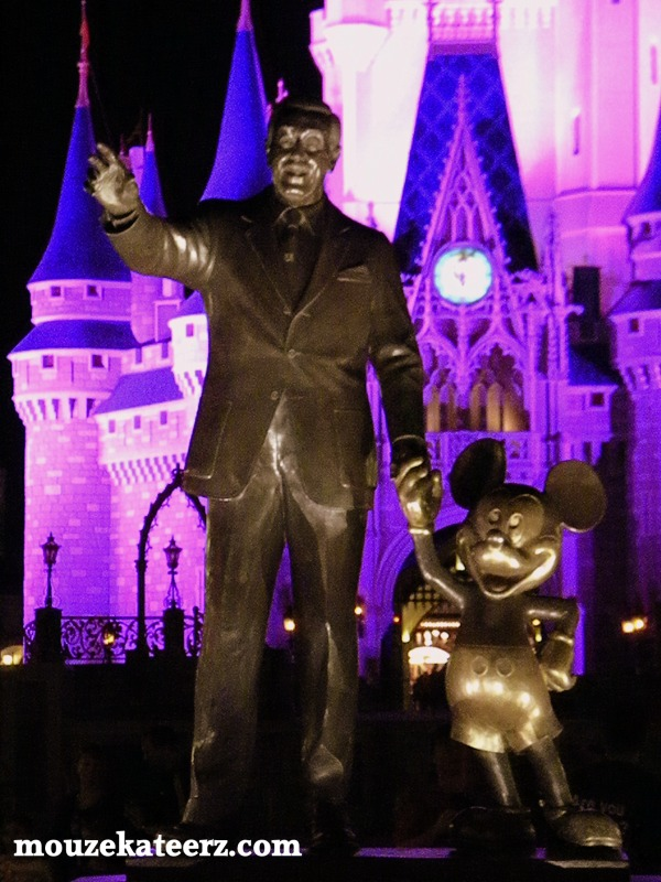 Walt and Mickey Mouse statue, Mickey Mouse statue, Walt Disney statue, Walt Disney