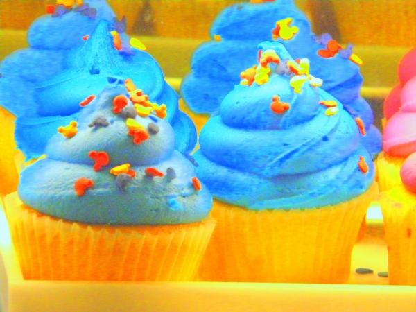 Disney cupcake, Disney cupcakes, vanilla cupcake, Disney Deluxe Dining Plan, Disney Dining Plan, DDP