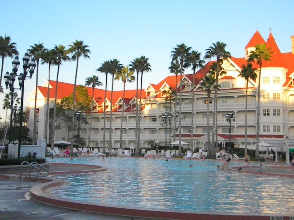 Grand Floridian pool, Gand Floridian swimming, Grand Floridian prices, Grand Floridian reservations,